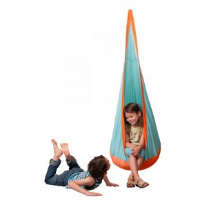 Children's outdoor hanging crow's nest