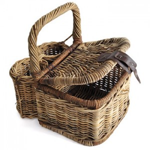 Picnic wicker basket - with bottle holders